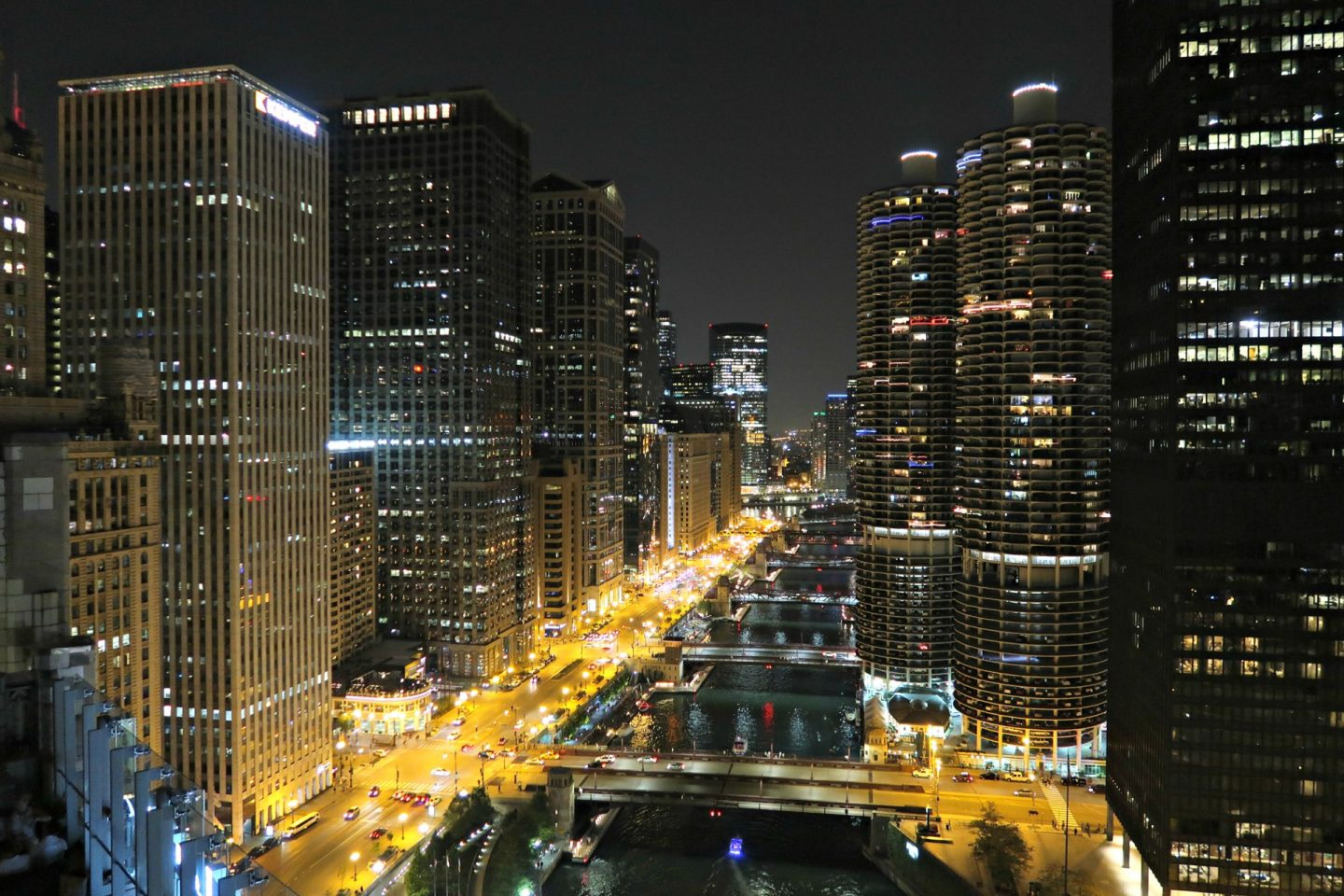 chicago night skyline