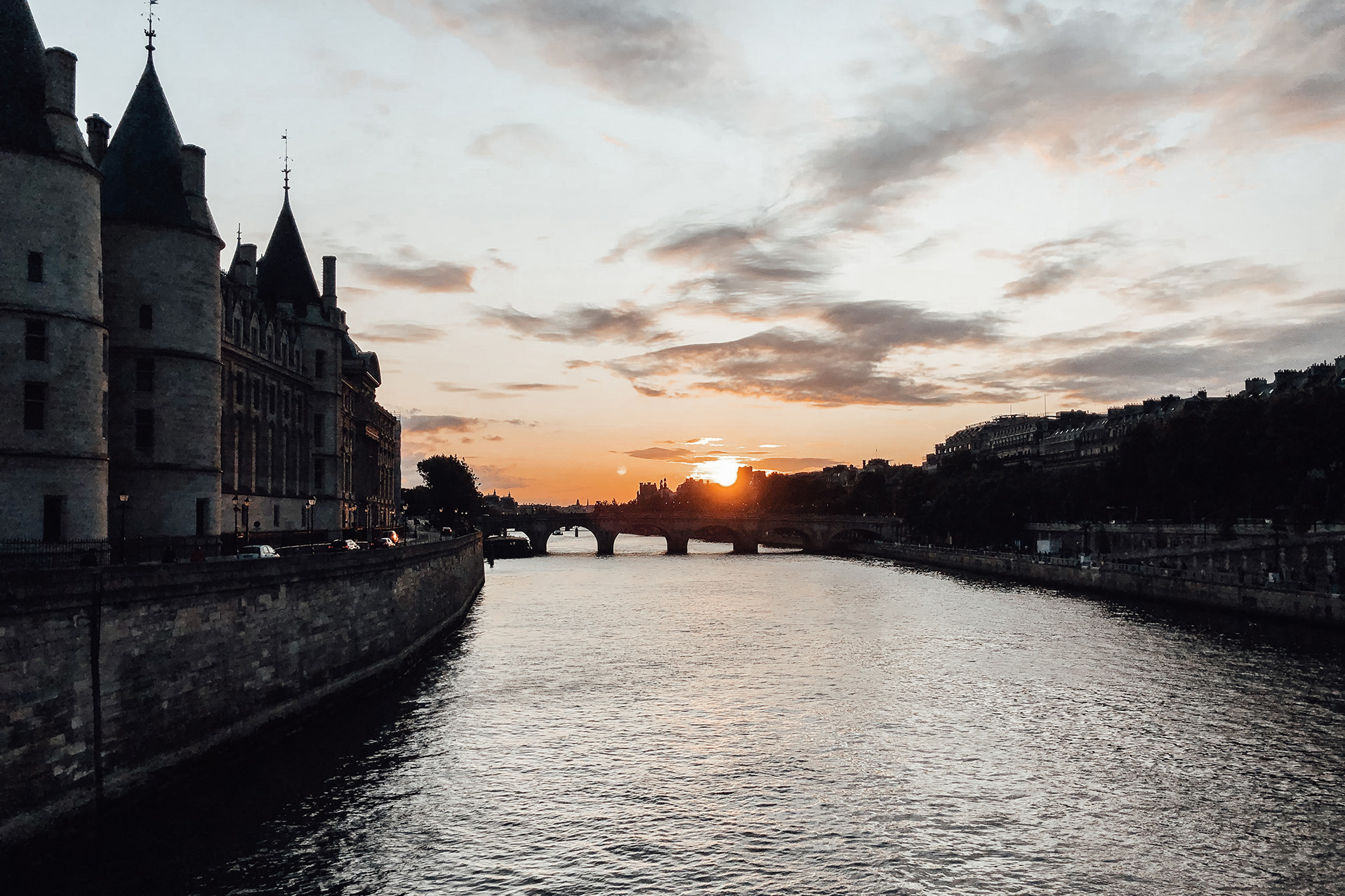 sunset river seine paris